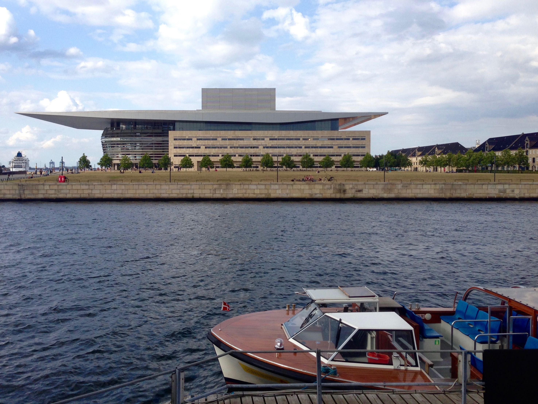 Opera House - Ekvipagemestervej 10